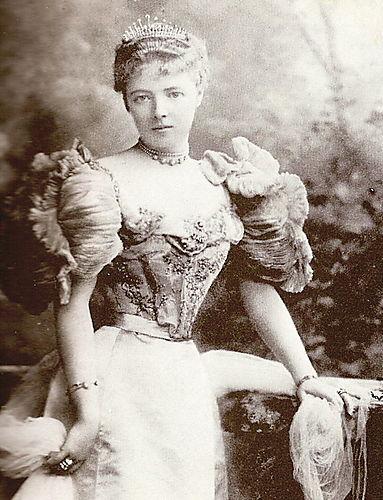 Maud Cunard photo