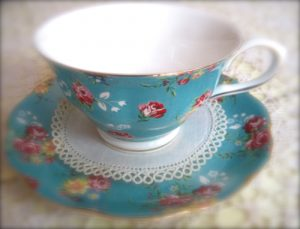 tea-cup-with-doily